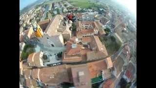 preview picture of video 'Estelada GEGANT a Sant Hipòlit de Voltregà'