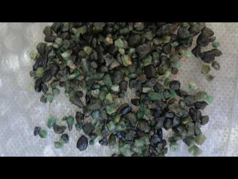 Rocha do Renascimento e Amor Esmeralda Pedra Natural Berilo Verde
