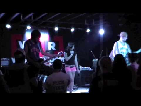 Forever The Athlete - These Cleats Need Laces [LIVE]
