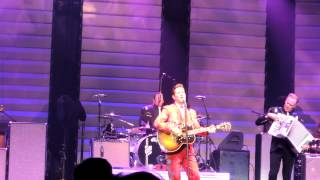 Chris Isaak - Pretty Girls Don't Cry (City National Grove, Anaheim) 08/01/12