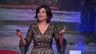 Sözcüklerinizi Değiştirin, Dünyanız Değişsin | Sedef Kabaş | TEDxIzmir