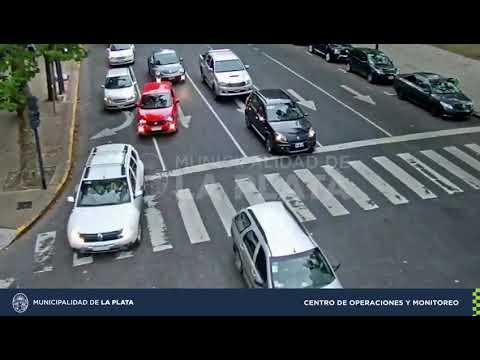 Accidente en Avenida 13: chocaron dos autos