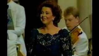 YVONNE KENNY Schauspieldirektor - Frau Silberklang's aria