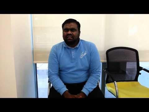 عامل بنغلاديشي يرتل سورة القيامه بصوت جميل