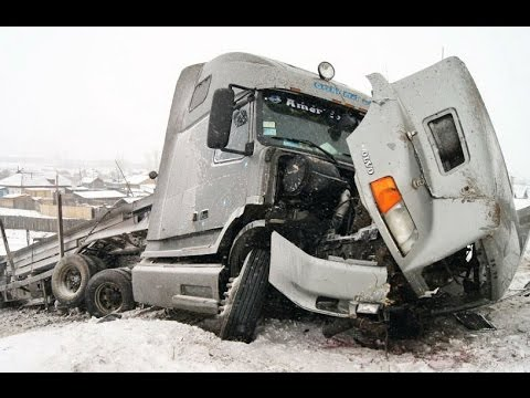 Best Truck Crashes, Truck Accident Compilation 2015 Part 3 Mp3
