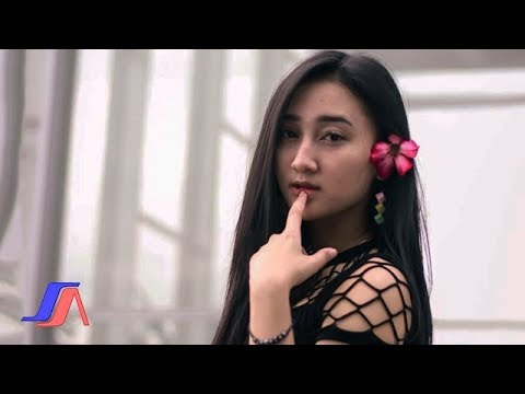 , title : 'Sandrina - Goyang Dua Jari ( Official Lyric Video )'