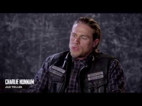 [Entrevista subtitulada] Charlie habla del tatuaje del