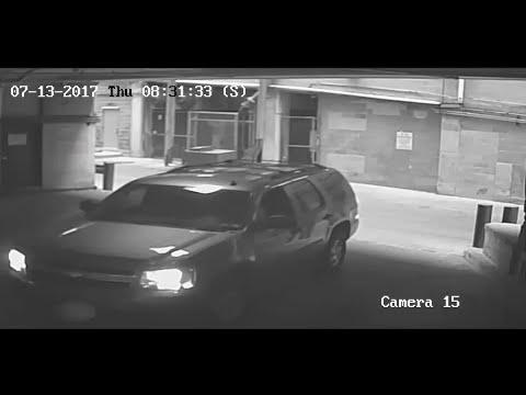 В США женщина перепутала педали и вылетела с 7 этажа парковки