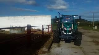 Traktor ARBOS a krmný vůz CERNIN v Beckově1