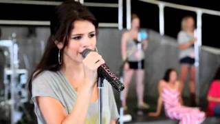 Middle of Nowhere - Selena Gomez (Video)