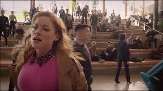 Jane Levy (Zoey) chante Crazy