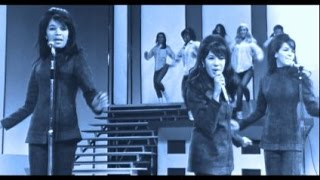 The Ronettes - BE MY BABY - live @ Moulin Rouge Club