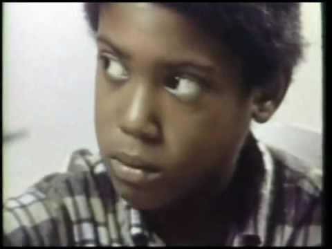 J.T. 1969 (ghetto NYC)  a black kid befriends a cat