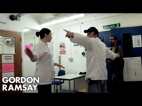 Gordon Ramsay's Assistant Holds Her Own In A Prison Argument | Gordon Behind Bars