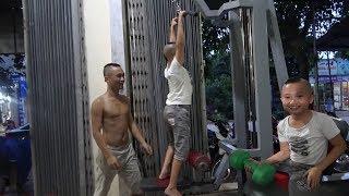 Lần Đầu Đi Tập Gym Của Mao Đệ - Cười Ra Nước Mắt Khi Mao Đệ Đu Máy Như Khỉ Đu Cây