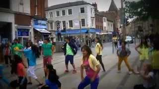 preview picture of video 'Bollywood Flashmob Leicester'