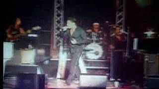 موزیک ویدیو عزیزم (کنسرت زنده)