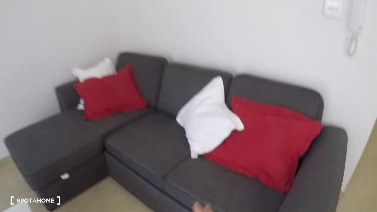 2-bedroom apartment with AC and balcony for rent in Camins al Grau