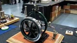 preview picture of video 'Echtdampf Hallentreffen 2010 Stationary engines'