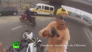 Смотреть онлайн Полицейский стрелял в вооруженного преступника