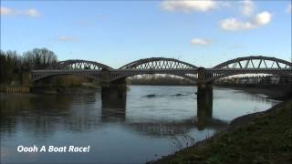 preview picture of video '(HD) 35028 'Clan Line' VSOE & A Boat Race at Barnes Bridge, 13/03/2013.'