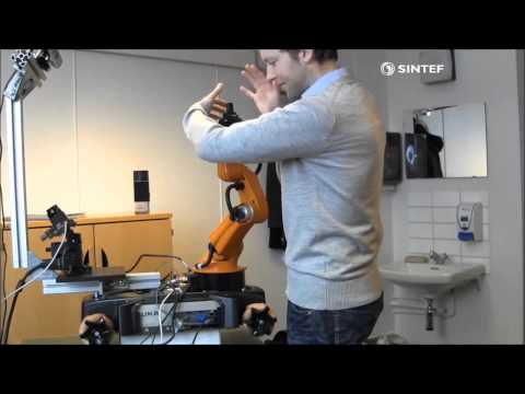 Demo With KUKA youBot showing dynamic motion planning with human obstacles. The algorithm has been developed in the SEAMLESS project at SINTEF ICT.
