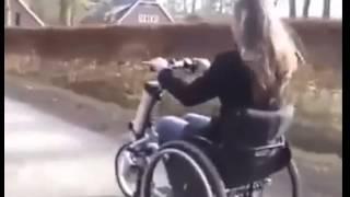 CĂRUCIOR ȘI MOTOCICLETĂ