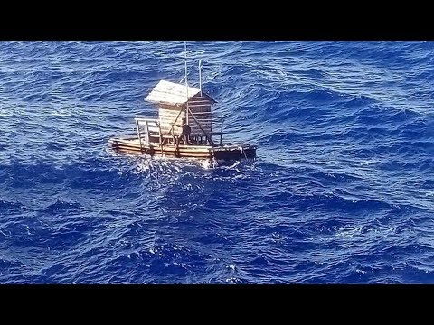 Молитва помогла выжить в океане