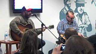 """Aaron Lewis Performs """"Forever"""""""