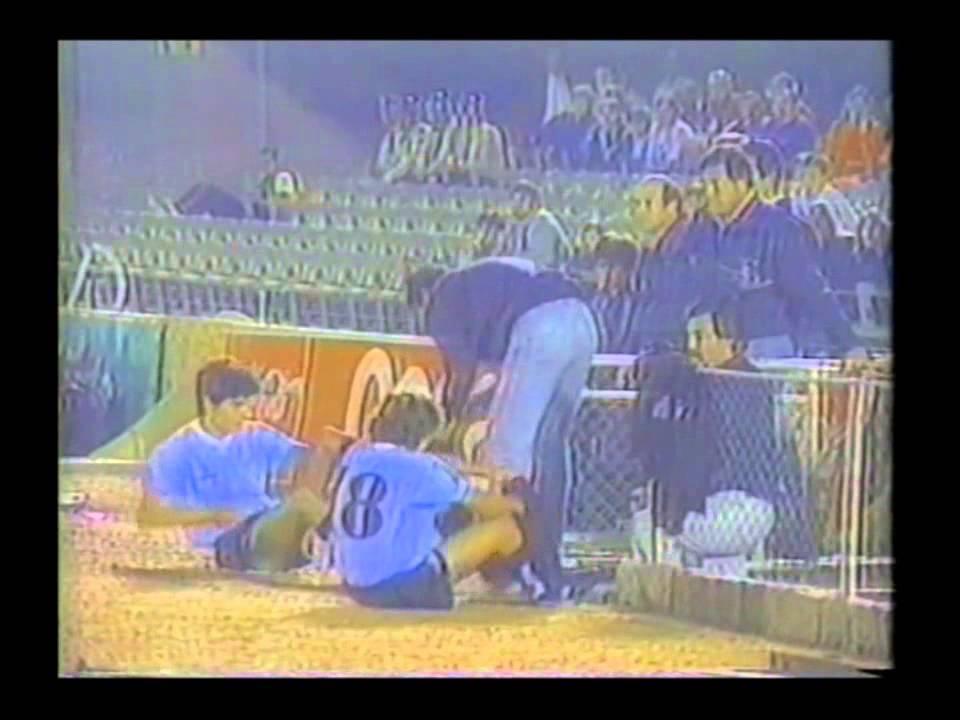 Imágenes como DT de Uruguay en 1988, 1989 y 1990