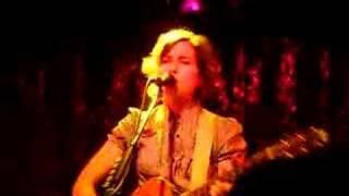 missy higgins-dusty road