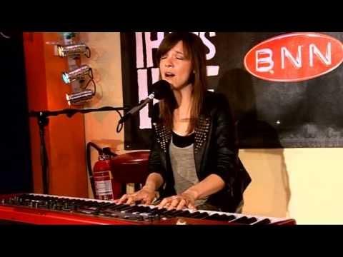 Laura Jansen - Use Somebody (live @ BNN That's Live - 3FM)