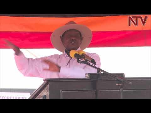 OKULWANYISA ENGUZI:  Museveni olunwe alusonze mu bakozi ba gavumenti