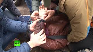 Видео задержания предполагаемого украинского шпиона в Симферополе