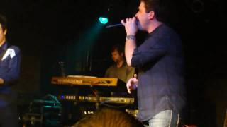 Josh Gracin - Let Me Fall [Live]