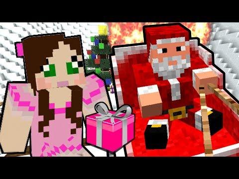 Minecraft: SANTA'S SLEIGH CRASHED!! - The Crash Before Christmas - Custom Map