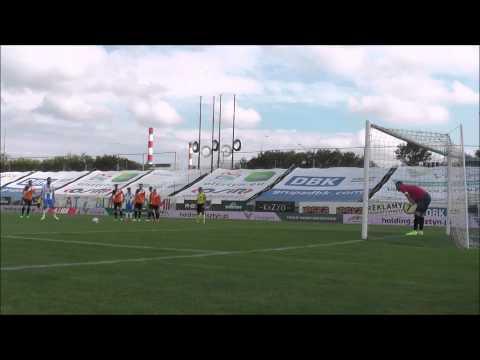 Irakli Meschia strzela bramkę na 1:1 w meczu z Chrobrym Głogów