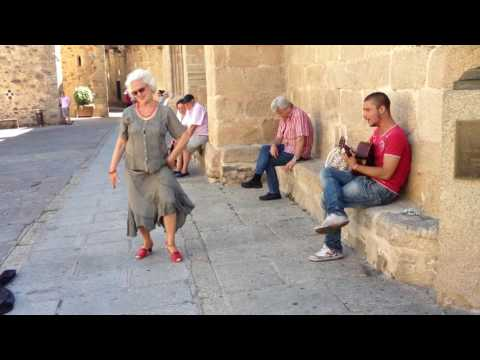 Portugese gipsy and spanish old lady dancer, street flamenco performance.