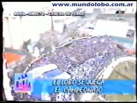 """""""EL LOBO COPANDO CABALLITO"""" Barra: La Banda de Fierro 22 • Club: Gimnasia y Esgrima"""