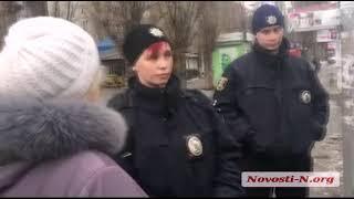 На площади Победы в Николаеве мужчина проводил пикет