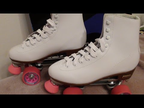 Chicago Ladies Rink Roller Skates….FUN TIME!! LETS ROLL