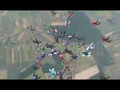 45 spadochroniarzy.