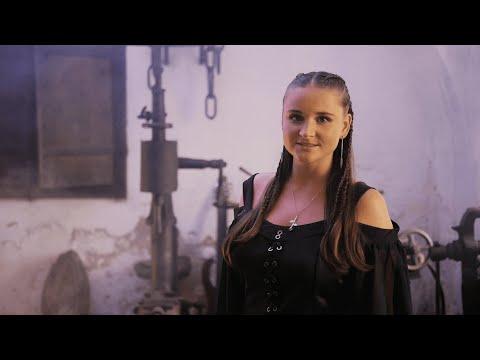 Mirka Soukalová - Jiřina Lysáková - Vetkaná do růží (OFFICIAL VIDEO)