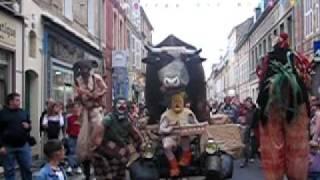 preview picture of video 'Festival international de marionnettes à Charleville Mézières'