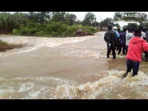 <a href='https://www.akody.com/cote-divoire/news/cote-d-ivoire-les-pluies-torrentielles-font-rage-tuant-15-personnes-317021'>C&ocirc;te d'Ivoire : Les pluies torrentielles font rage tuant 15 personnes</a>
