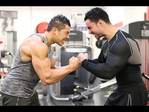 Comme gonfler vite les muscles les épaules