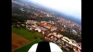 preview picture of video 'Flugvideo (260m Höhe) mit Modellflugzeug bei München'