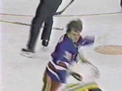 Terry Carkner vs Cam Neely