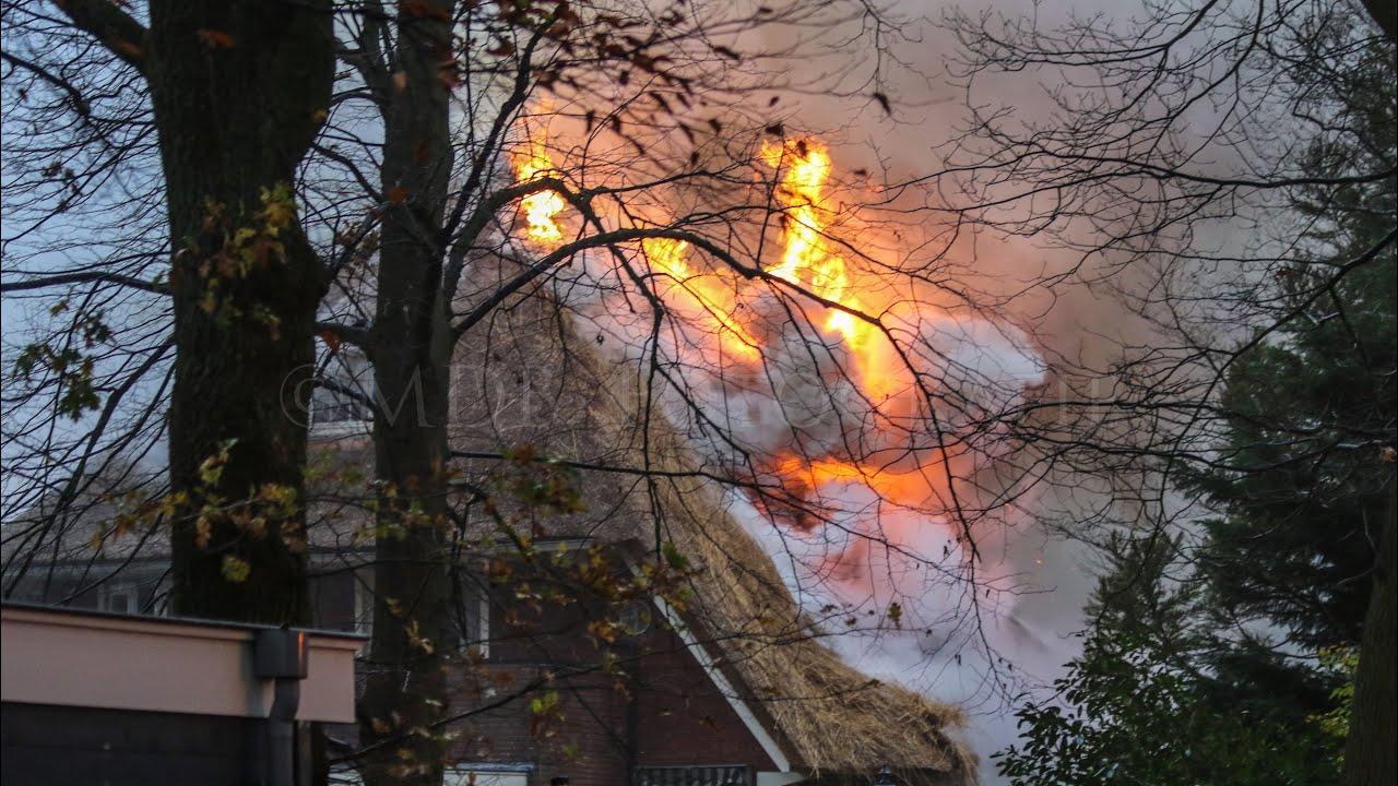 🚨Zeer Grote Brand Rietendakwoning Bussum!