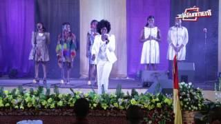 Cynthia MacCauley Worships